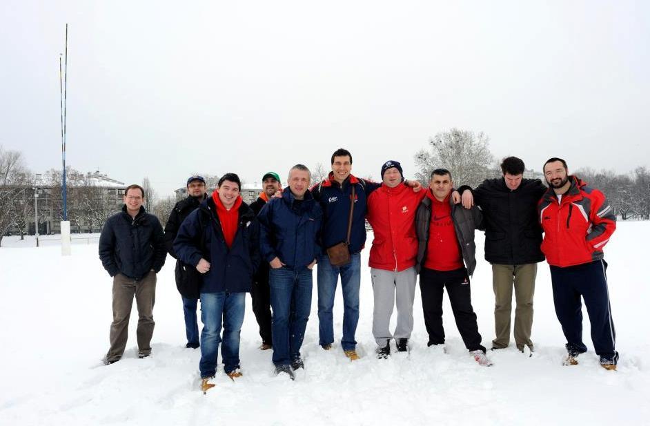 ОПЕТ НИШТА: представници савеза, тренери и капитени Младости и Загреба на скијалишту Кртичњак.