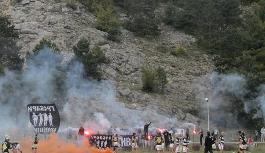 ГРОБАРИ НА ДЕЛУ: фудбалска атмосфера и на рагби мечу