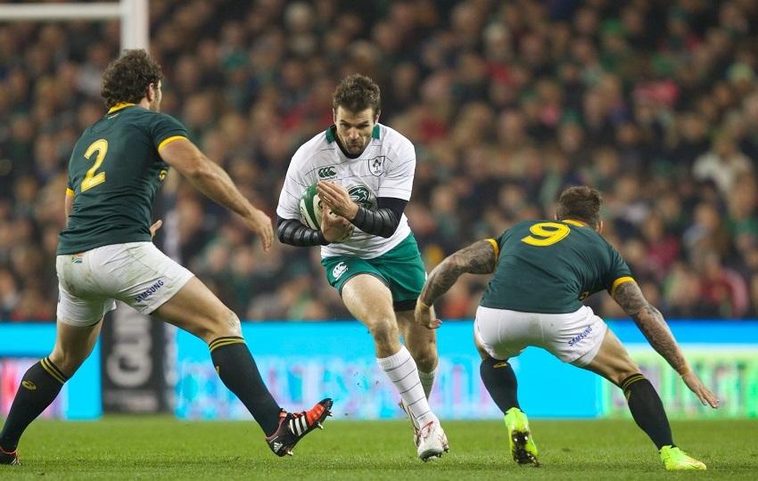 ИЗНЕНАДИЛИ: Новозеланђанин у дресу Ирске Џеред Пејн у продору против Јужне Африке
