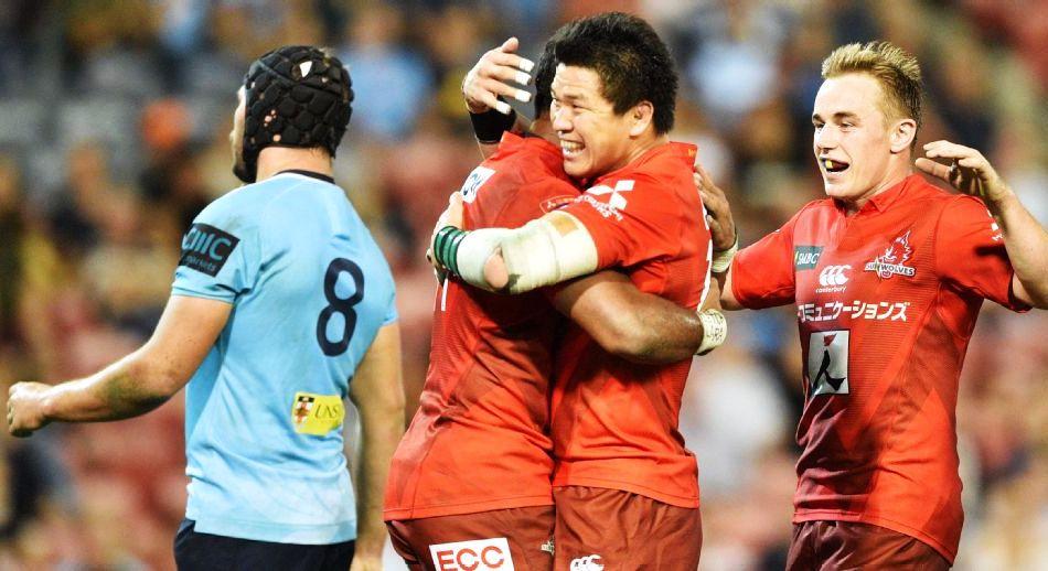 ЗАСЛУЖЕНО СЛАВИЛИ: Санвулвси прослављају победу у Сиднеју. ФОТО: Питер Парк AFP/Getty Images